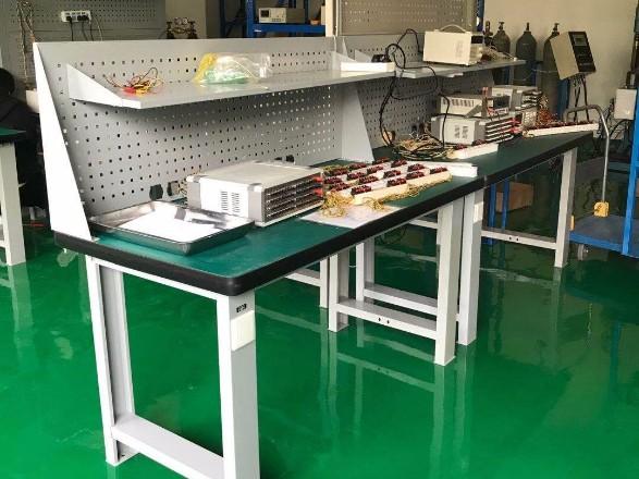 工厂工作桌