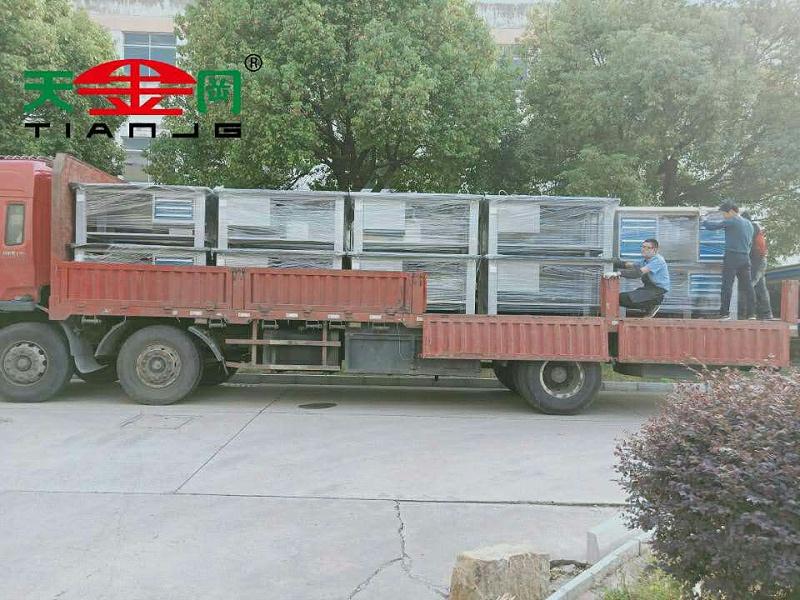 供应广州钳工台生产厂家