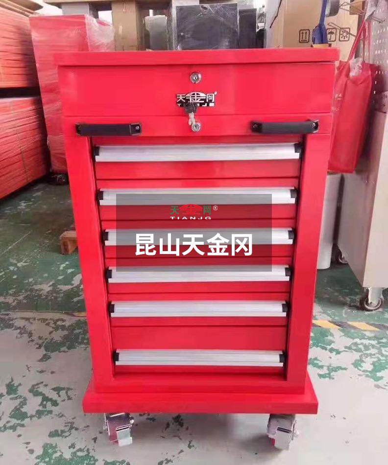 昆山天金冈年产17000台钳工工具柜,每一台柜子的出库都是用了心,认了真的