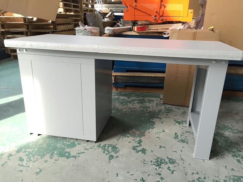 定制钳工桌