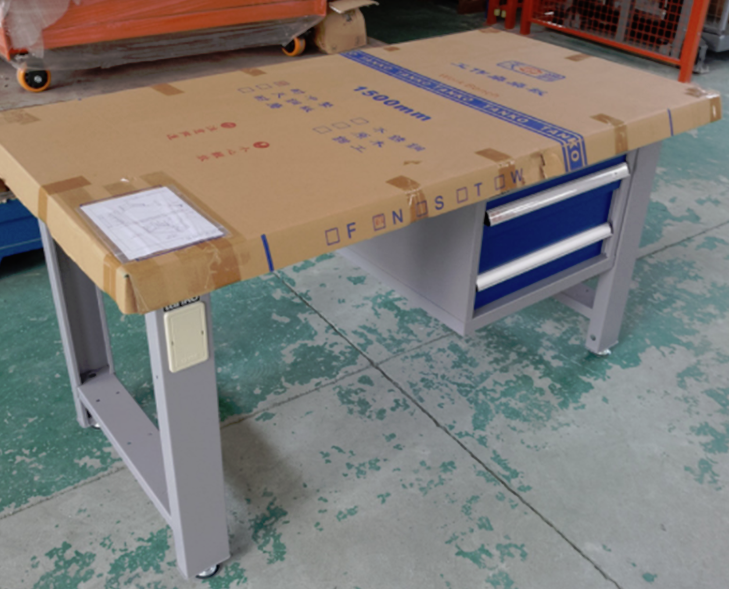 天金冈工作桌钳工台打包