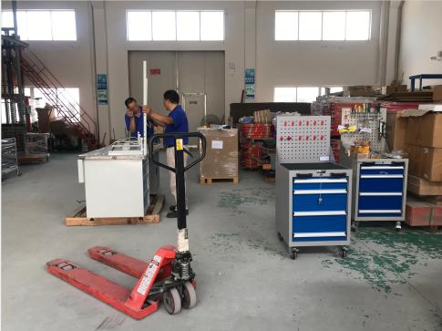 工具柜厂家天金冈讲述适合汽修厂的工具柜
