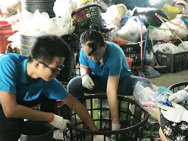 工具柜厂家天金冈参与垃圾分类,体验公益环保
