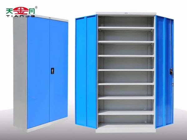 带门储物柜