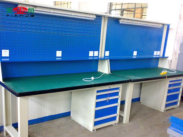 灯架挂板工作桌