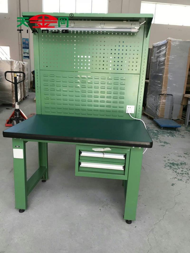 多功能焊工工作台图片